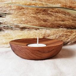 Bougeoir en bois artisanal et sa bougie naturelle